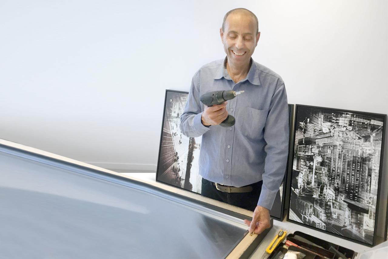 Services d'accrochage de tableaux et oeuvre d'art - Arts Affaires