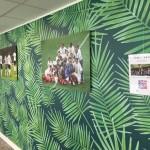 oeuvres de caetano kinkas fond palmiers en entreprise par arts affaires