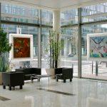 installation oeuvres d'art dans un hall d'accueil par arts affaires