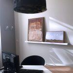 location tableau et accrochage dans bureau par arts affaires